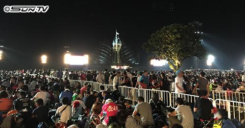 会場は東京ドームおよそ7個分の広さ!